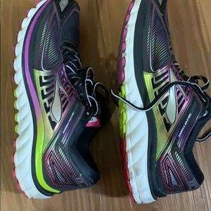 Brooks Shoes - EUC Brooks Glycerin 13 Running Shows Size 9 women